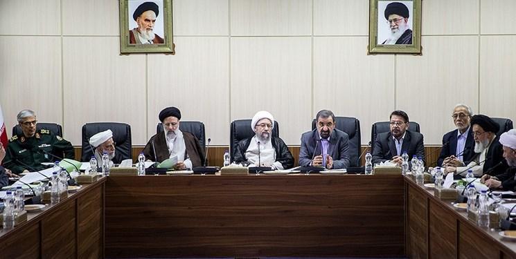 آملی لاریجانی: مسؤولان انتقادات مردم را بشنوند